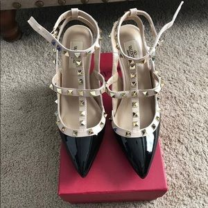 NWT Black sandals